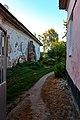 Стіна будинку № 18 по вул.Гребінки, прохід між будинками № 18 та № 16.jpg