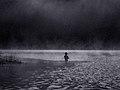 Човек във водата.jpg