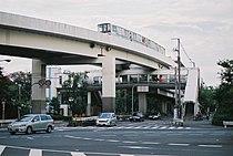 南港東駅 入口通路.jpg