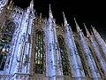 夜のドゥオモのステンドグラス (36309437224).jpg