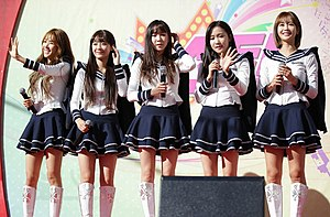 Crayon Pop - Crayon Pop in October 2015  From left to right: Ellin, Soyul, Way, ChoA, Geummi