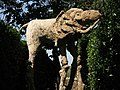 028 Castell de Púbol (Casa Museu Gala Dalí), un dels elefants de potes llargues al jardí.jpg