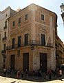 102 Casa Vestuari, c. Miquelet - pl. Mare de Déu (València).JPG