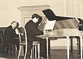 12 Joao Nazare toca clavicordio2.jpg