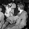 18.05.76 à l'école vétérinaire de Toulouse, opération d'un brocard jeune cerf (1976) - 53Fi896.jpg