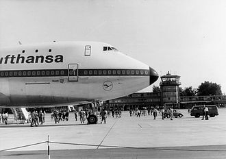 Nuremberg Airport - The first Lufthansa Boeing 747-100 visits Nuremberg in 1970