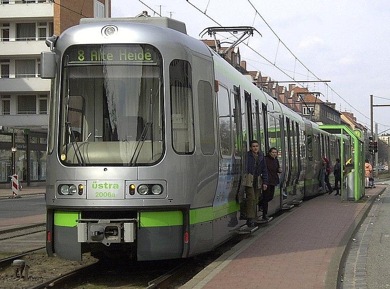 2001-03-31.H-TW2000-Vahrenwalder-Platz.jpg