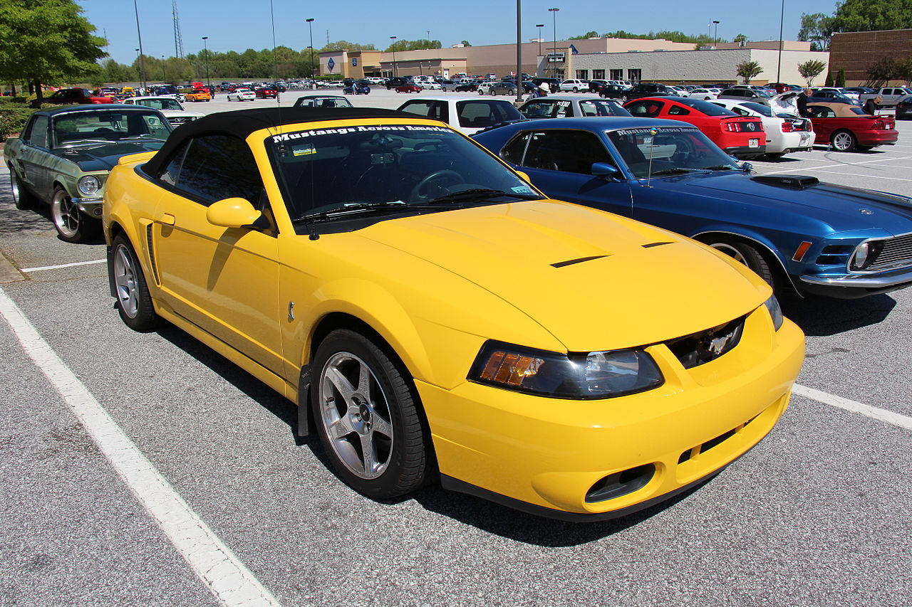 File:2001 Ford Mustang SVT Cobra Convertible (14451265720 ...