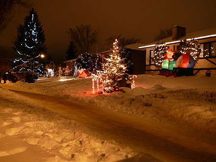 Houses in Crestwood, a residential neighbourhood typical of most suburban areas of Edmonton. 2008-12-27 Candy Cane Lane 013.jpg