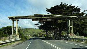 Great Ocean Road - Great Ocean Road memorial arch at Eastern View