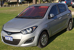 2013 Hyundai i20 (PB MY13) Active 5-door hatchback (2015-11-14) 01.jpg