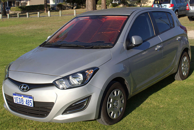 Dosya:2013 Hyundai i20 (PB MY13) Active 5-door hatchback (2015-11-14) 01.jpg