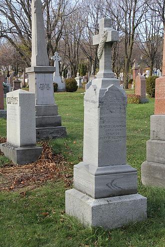 Aegidius Fauteux - Aegidius Fauteux's tombstone in Notre-Dame-des-Neiges Cemetery (P71), Montreal.