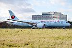 Air Canada, C-GHPQ, Boeing 787-8 Dreamliner (30483653774).jpg