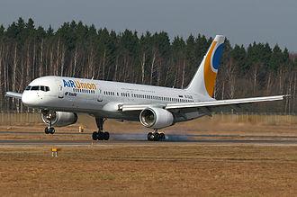 KrasAir - Image: Air Union Boeing 757 200