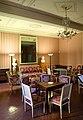 Ajaccio, maison bonaparte, salone con mobilio luigi xvi (sedute), del direttorio (tavolini) e secondo impero (guéridon) 03.jpg