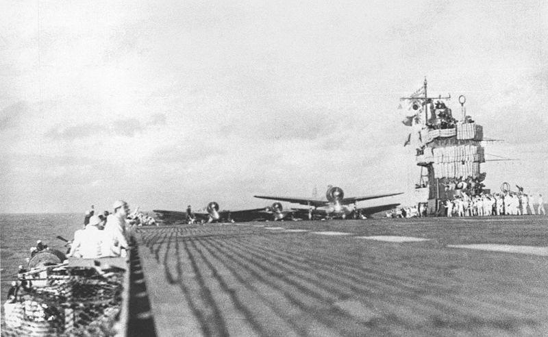 800px-Akagi_Pearl_Harbor_Second_Wave_Lau