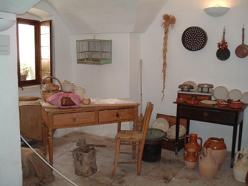 800px-Alberobello_%283%29.jpg