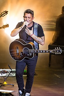 Alejandro Sanz - the endearing, charming, talented,  musician  with Spanish roots in 2018
