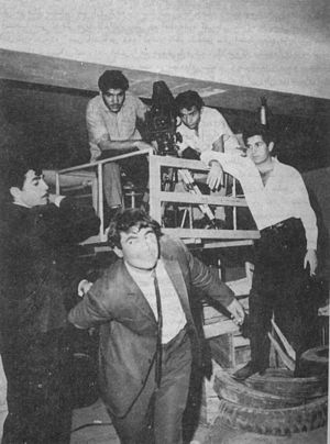 "Reza Fazeli - Reza Fazeli, Dariush Mehrjui (as director), Mostafa Alamiyan, Jamshid Alvandi and Rafi behind the scenes in ""Almaas 33"" in 1967"