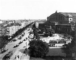 Anhalter Bahnhof und Askanischer Platz, 1910, Waldemar Titzenthaler [Public domain], via Wikimedia Commons
