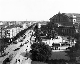 Berlin Anhalter Bahnhof - A 1900 view showing the front façade of the second Anhalter Bahnhof with Askanischer Platz and Königgrätzer Straße, as it was then known