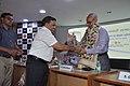 Anil Srikrishna Manekar Presents Memento To Saroj Ghose - CRTL Silver Jubilee Celebration - NCSM - Kolkata 2018-03-13 8411.JPG
