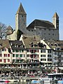 Ansicht vom Seedamm auf die Einmündung der Rathausstrasse ins Seequai und den Hafen sowie das Schloss in Rapperswil 2012-03-31 17-37-55 (P7000).JPG