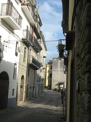 Aquara - Image: Aquara (old town view)