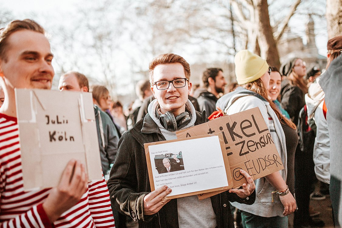 Artikel 13 Demonstration Köln 2019-02-16 078.jpg