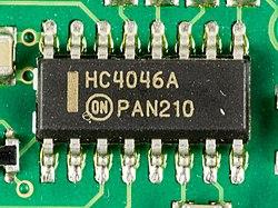 Auerswald COMander Basic - Mainboard - On Semiconductor HC4046A-3027.jpg