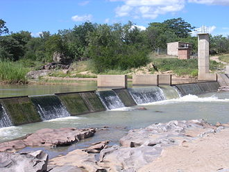 Stream gauge - Stream gauge B62, a combination weir at Doddieburn, on the Mzingwane River, Zimbabwe