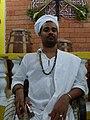 Babalorisa Luiz Gustavo ti Ologunede na antiga sede do Egbé Ilè Asé Oloke bi Oman.jpg