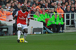 Bacary Sagna cross.jpg