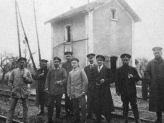 Mannheim–Saarbrücken railway - Railway workers at Einsiedlerhof station in 1914