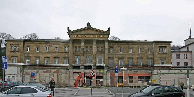 File:Bahnhof Wuppertal Hbf 01 Empfangsgebäude.JPG
