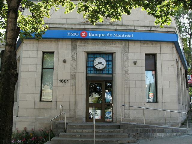 Bank of Montreal by Eastmain [CC BY-SA 3.0 (https://creativecommons.org/licenses/by-sa/3.0)]