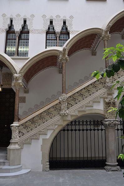 File:Barcelona (Passeig de Sant Joan). Macaya House (Casa Macaya). 1898-1901 Josep Puig i Cadafalch, architect (27745932195).jpg