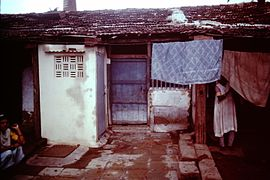 Baroda-India-slums-1979-IHS-89-10-Clothes-line.jpeg