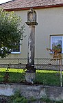 Batelov, Bezděčín, column shrine.jpg