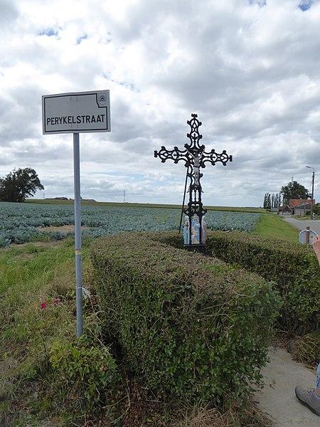 Croix , située  à l'intersection de Perykelstraat et Klijthofstraat à Bellegem, Belgique.