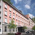 Berlin, Kreuzberg, Schoeneberger Strasse 2-4, Hotel Moevenpick.jpg