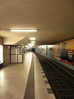 Berlin - U-Bahnhof Turmstraße (9490792692).jpg