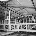Bezoek aan het Nederlands Scheepsbouwkundig proefstation te Wageningen, rondgang door het - Nationaal Archief - 911-1112.jpg