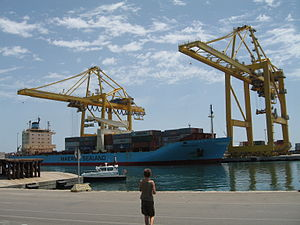 Port of Algeciras - Large freighters in the port of Algeciras