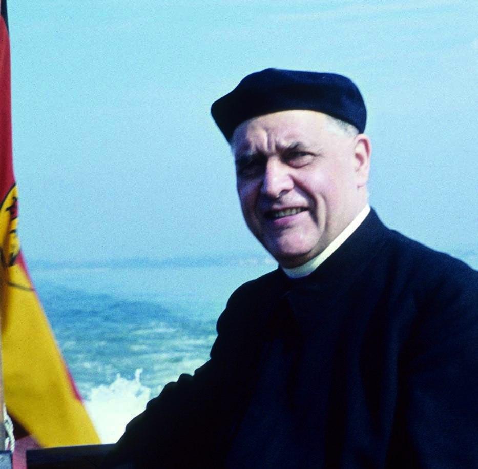 Bischof Albert Stohr auf dem Bodensee - Foto Leonhard Veith August 1959