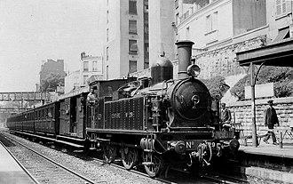 Chemin de fer de Petite Ceinture - A Syndicate Ceinture train at what looks to be the Boulevard Ornano station around 1900