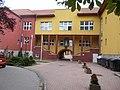 Borbála Kórház főépülete az előudvar felől nézve, 2017 Dorog.jpg