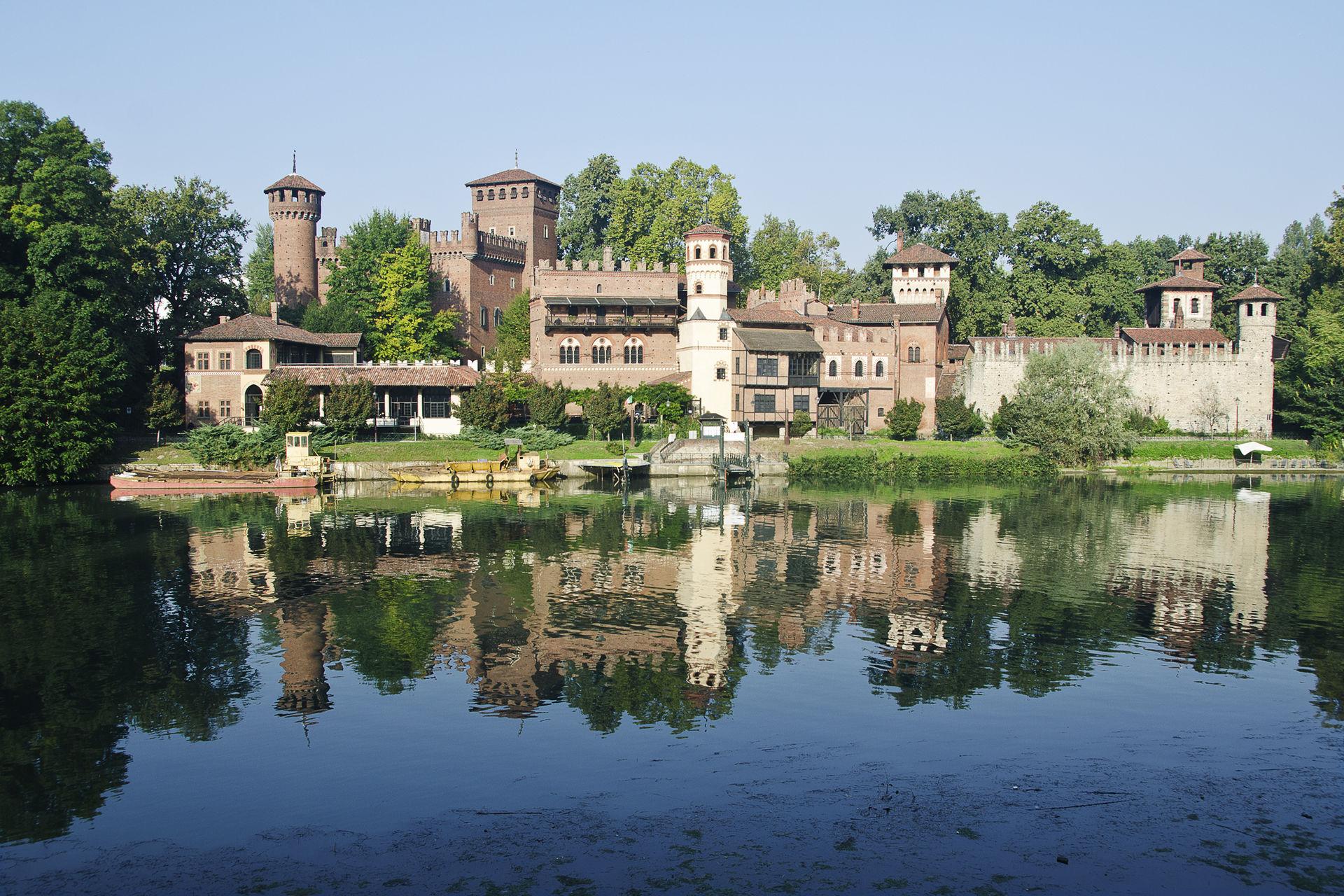 Borgo médieval de Turin dans le parc Valentino - Photo de Angelomalvasia