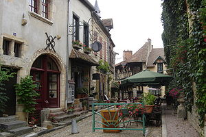 Bourbon-Lancy - Medieval center